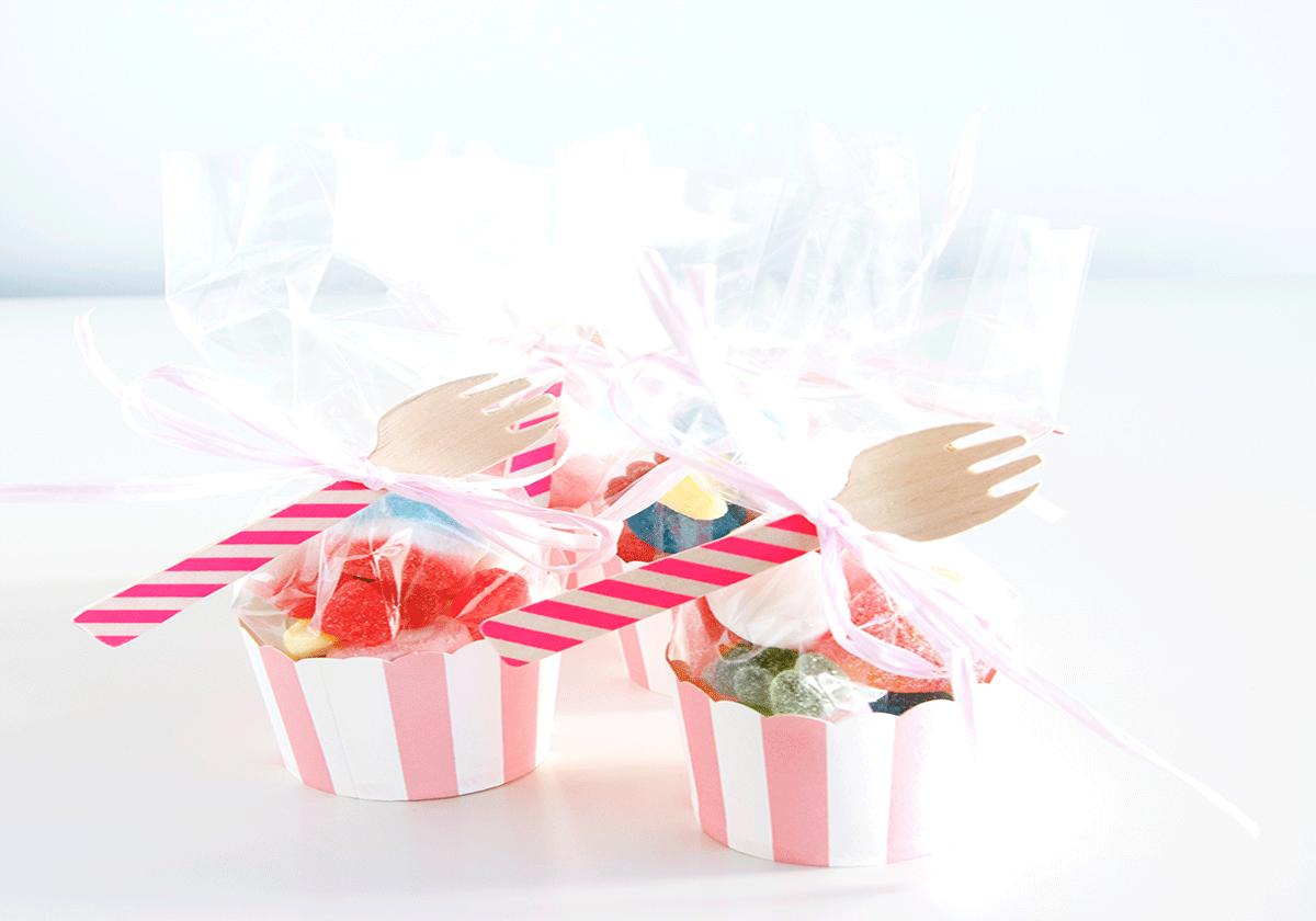 Cupcakes de gominolas de rayas rosas de Deliciosso.es